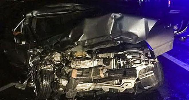 Tıra çarpan otomobildeki 2 asker hayatını kaybetti