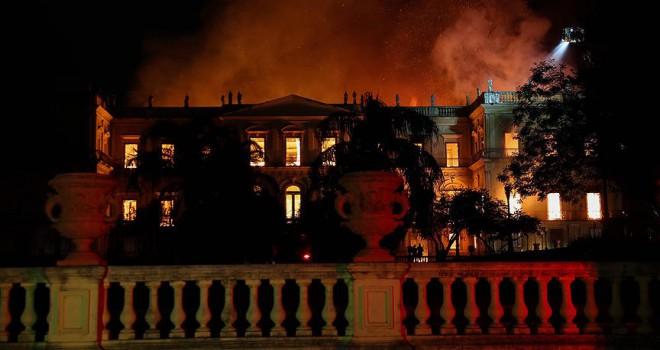 200 yıllık müzede yangın çıktı