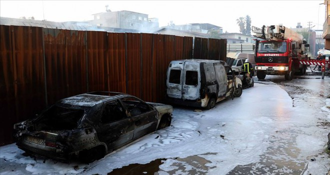 Adana'da geri dönüşüm fabrikasında yangın