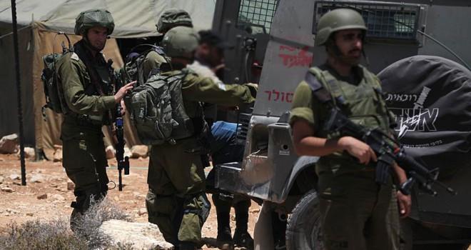 16 Filistinliyi gözaltına aldı
