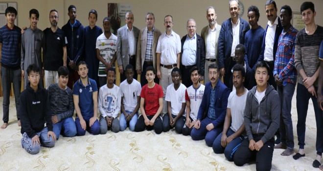 Yabancı Müslümanöğrencilere iftar