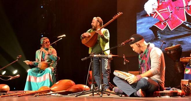 'Rastak' İstanbul'da konser verdi