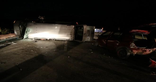 Konya'da AK Partilileri taşıyan minibüs ile otomobil çarpıştı: 9 yaralı