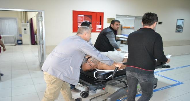 Aksarayda asansör boşluğuna düşen 2 işçi yaralandı