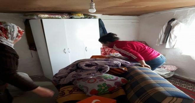 AK Parti Mihalıççık Kadın Kollarından yardım
