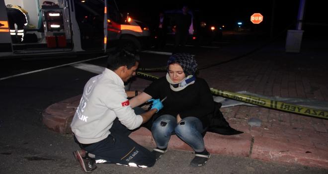 Konyada AK Partilileri taşıyan minibüs ile otomobil çarpıştı: 9 yaralı
