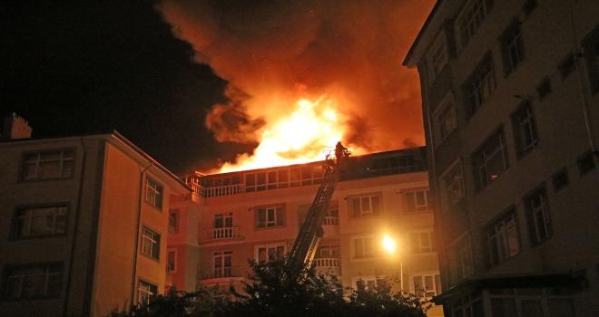 Yozgatta çatı ve ev yangını