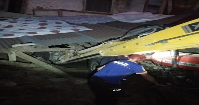 Sivasta kerpiç evin çatısı çöktü: 2 yaralı