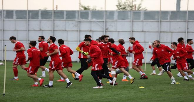 Sivassporda Büyükşehir Belediye Erzurumspor maçı hazırlıkları