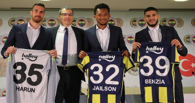 Fenerbahçede yeni transferler için imza töreni