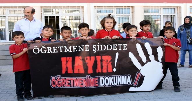 Kırıkkalede öğretmene şiddet protesto edildi