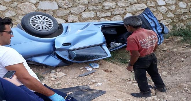 Karamanda otomobil devrildi: 3 ölü