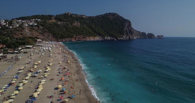 Antalyaya gelen yabancı ziyaretçi 11 milyonu aştı