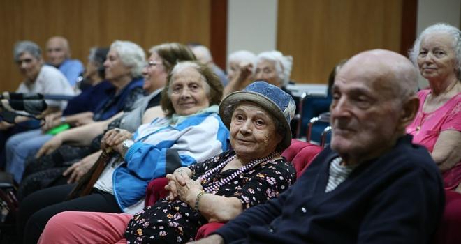 Demografik verilere göre Türkiye hızla yaşlanıyor