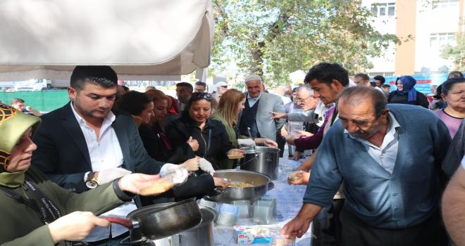 AK Parti Gölbaşı İlçe Teşkilatının aşure etkinliği