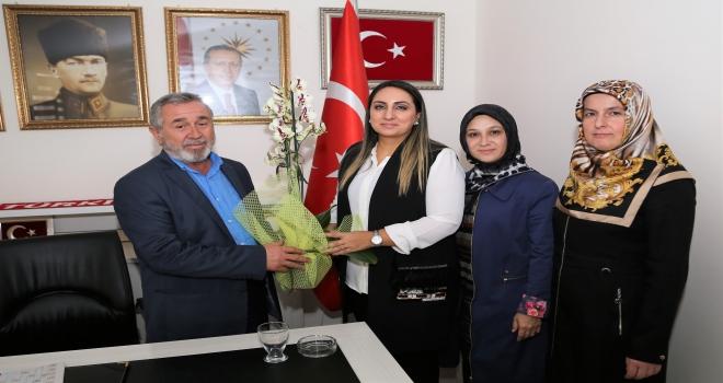 Vali Pekmezin eşi Şehit ve Gazi Aileleri Koordinasyon Merkezi ziyaret etti