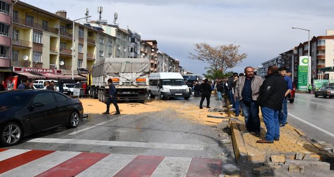 Konyada trafik kazası MOBESEye yansıdı