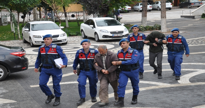 Jandarma kablo hırsızlarını yakaladı