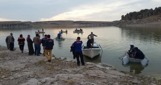 Aksarayda baraj gölünde kaybolan 3 kişi aranıyor