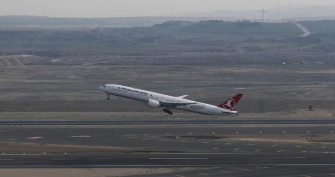İstanbul Havalimanından ilk uçuş Ankaraya yapıldı