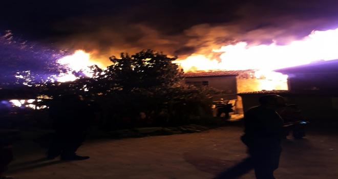 Ankarada ev yangını