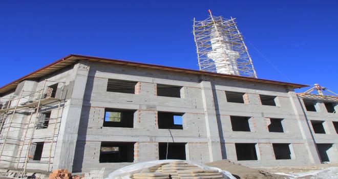 Kaymakam Bulut, cami inşaatını inceledi