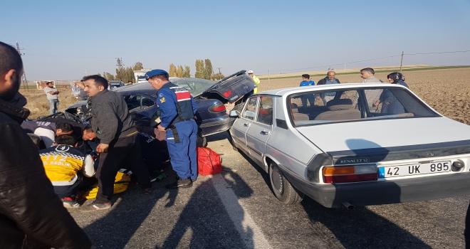 Konyada iki otomobil çarpıştı: 1 ölü, 4 yaralı