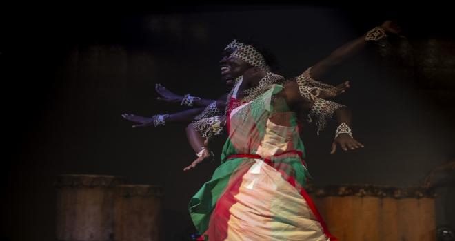 Kutsal Burundi Davulu Günü kutlaması