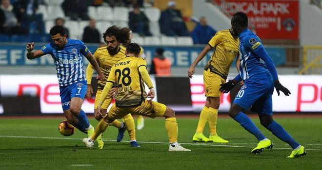 Kasımpaşa 3 puanı 3 golle aldı