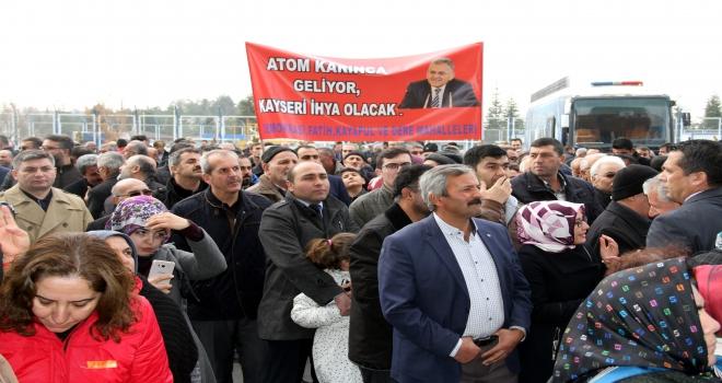 Kayseri Büyükşehir Belediye Başkan adayına çoşkulu karşılama
