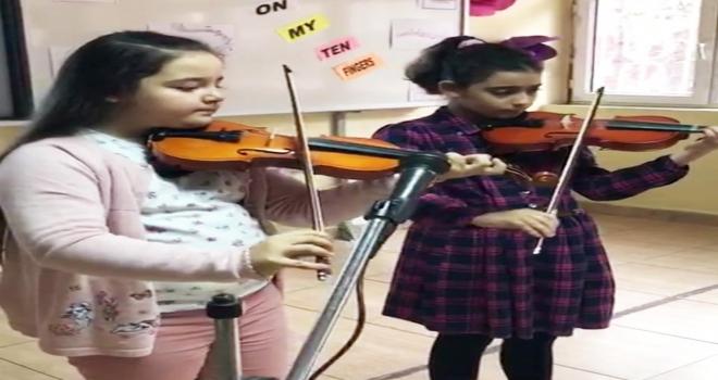 Minik öğrenciler, müzik şöleni sundu