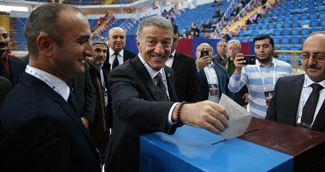 Trabzonspor kongresinde oy verme işlemi başladı