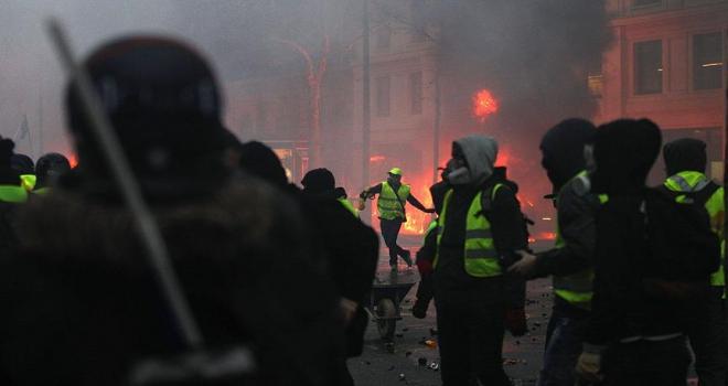 Fransadaki olaylara kaos ve gerilla savaşı benzetmesi
