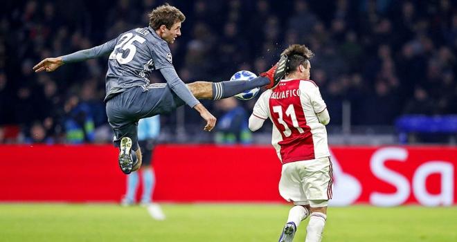Bayern Münihli Müllerden Ajaxlı Tagliaficoya özür