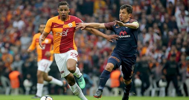 Galatasaray, lider Medipol Başakşehire konuk oluyor
