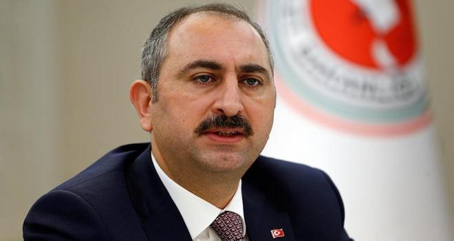 Adalet Bakanı Gül: FETÖ mensupları ihanetlerinin hesabını hukuk önünde veriyor