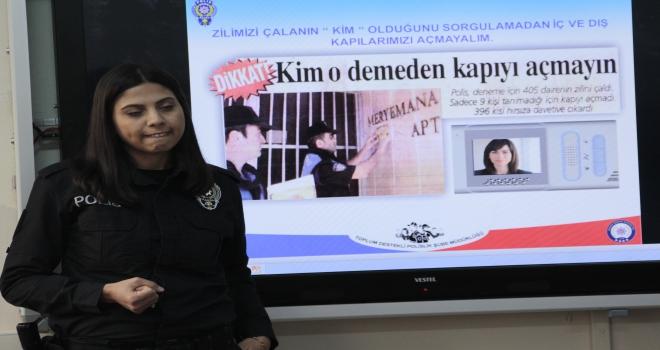Beypazarında polis öğrencilere eğitim veriyor