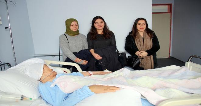 Aday öğretmenler hastaları ziyaret etti