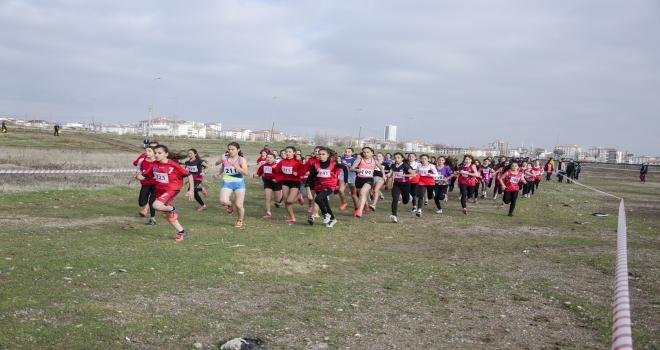Okullar Arası Kros Yarışları Kahramankazanda yapıldı