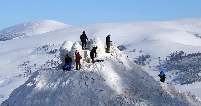 Kardan şehit heykelleri yapımına başlandı