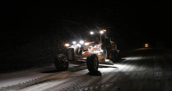 Erzincanda kar ve buzlanma ulaşımı olumsuz etkiledi