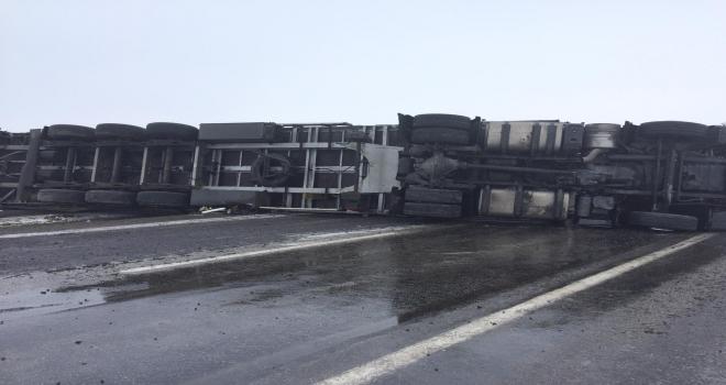 Karapınarda trafik kazası: 3 yaralı