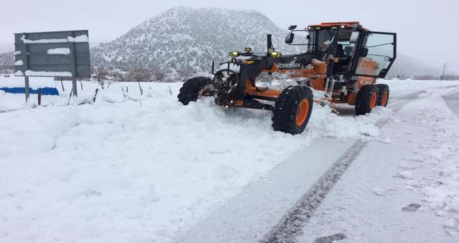 Derebucakta etkili kar yağışı