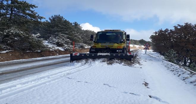 Beypazarında karla mücadele çalışması