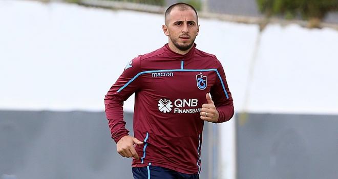 Trabzonsporda Zeki Yavrunun sözleşmesi feshedildi