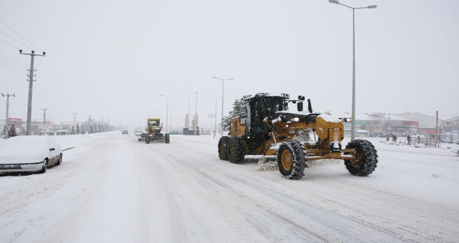 Karaman Belediyesinin kar temizleme çalışmaları