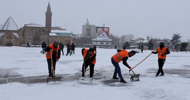 Kırşehirde karla mücadele çalışmaları