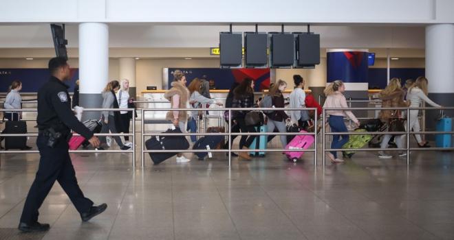 ABDde hükümetin kapanması havalimanlarını vurdu
