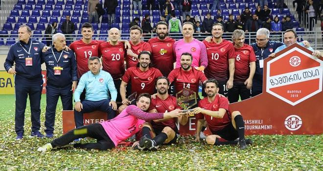 Veteran milliler Gürcistanda şampiyon
