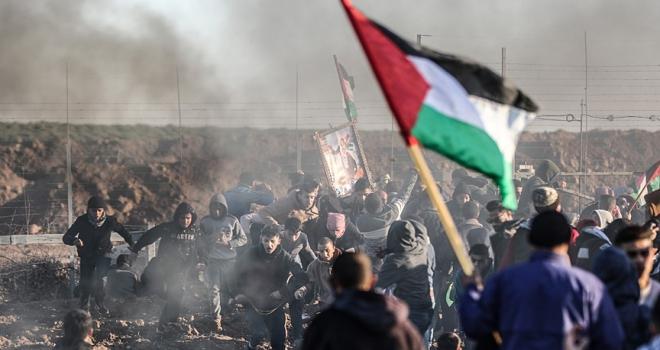 Gazzedeki gösterilerde yaralanan Filistinli şehit oldu